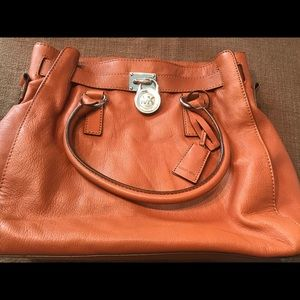 MK Purse good condition. Large, Camel Brown Purse